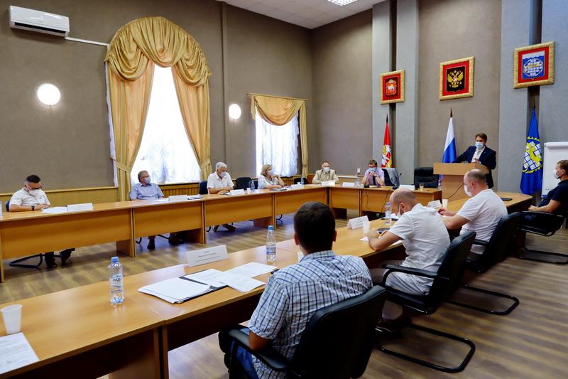 Озерские депутаты единогласно приняли отчет руководителей округа за 2019 год