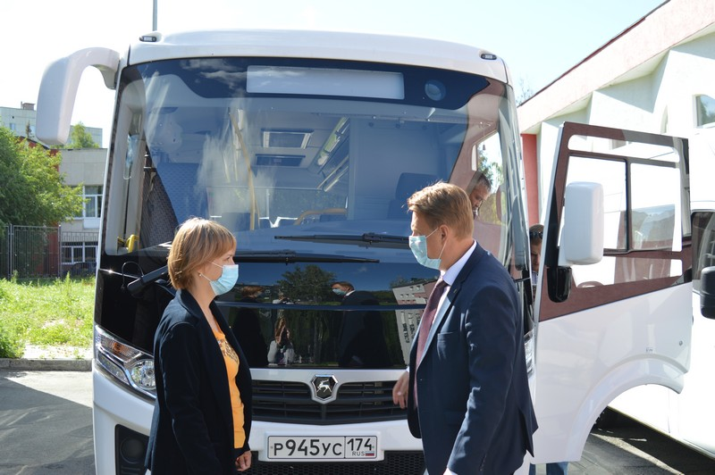 «Золотой петушок» приобрёл новый автобус для гастрольной деятельности