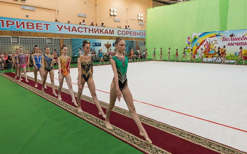 Юные гимнастки из уральских городов вновь встретились в Озерске