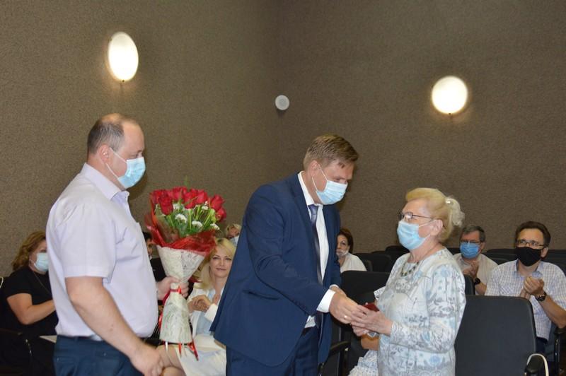 Депутаты присвоили звание «Почетный гражданин» Альбине Бочковой