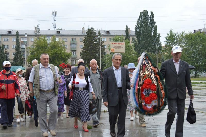 В День памяти и скорби в Озерске состоялось возложение цветов и венков к Вечному огню