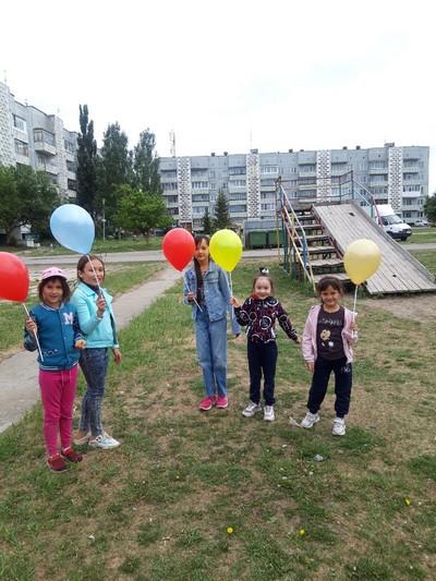 Депутаты поздравили юных озерчан