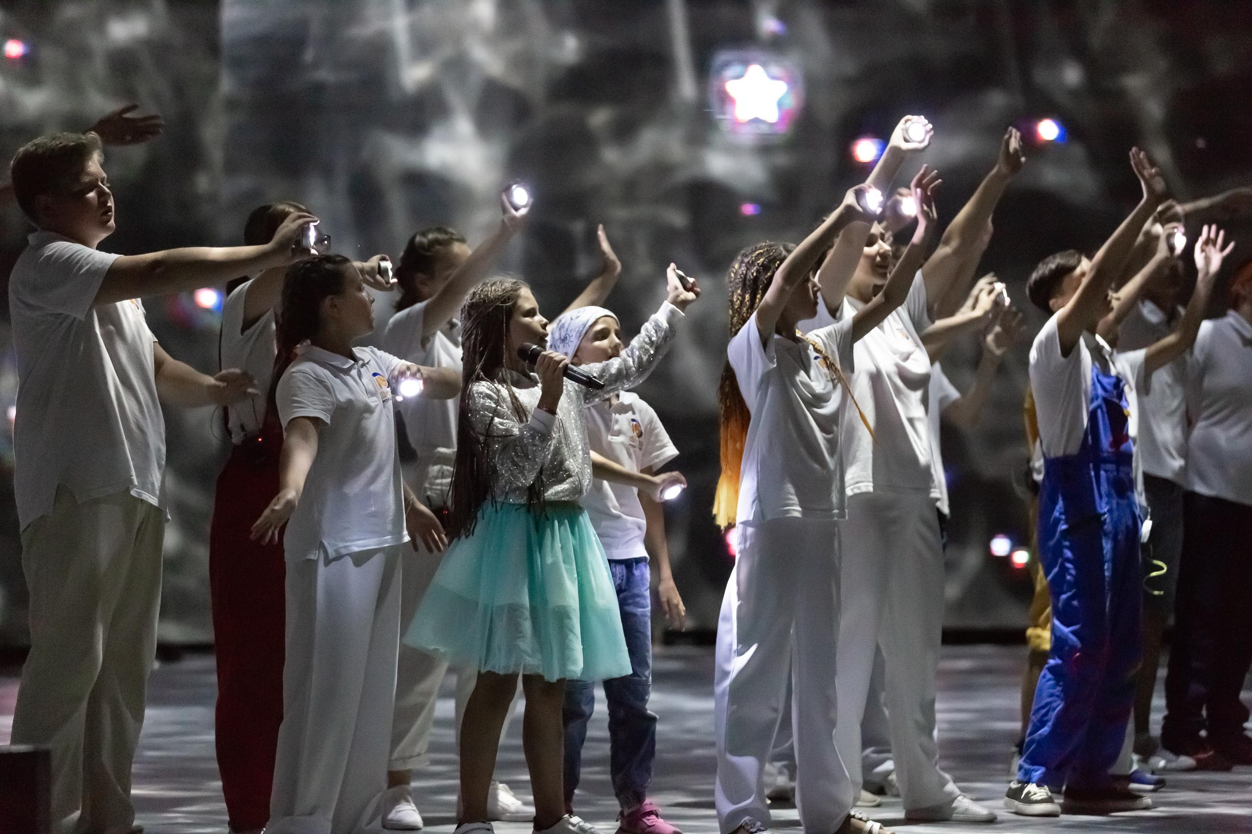 Озерские школьницы стали участниками творческого проекта в ВДЦ «Орлёнок»