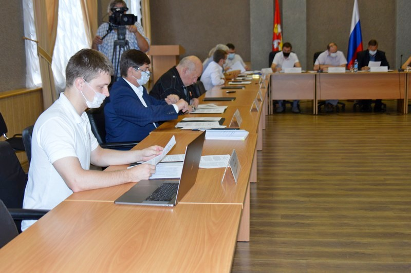 Депутаты поручили Контрольно-счетной палате провести внеплановую проверку в УКСиБ