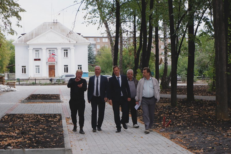 Скверу посёлка Новогорный вернут первозданный вид
