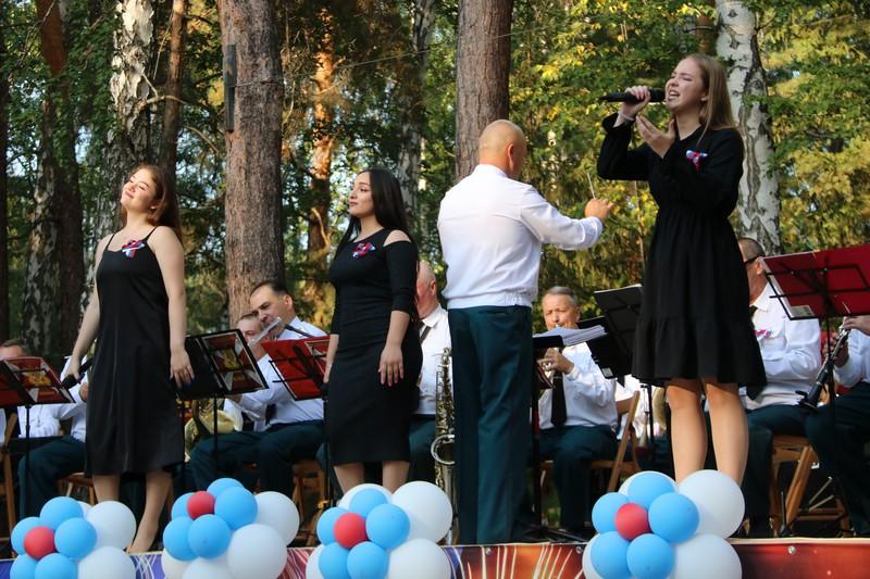 Ритм задавал дивизионный оркестр