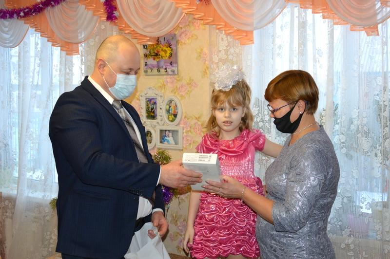 Депутат исполнил мечту маленькой принцессы