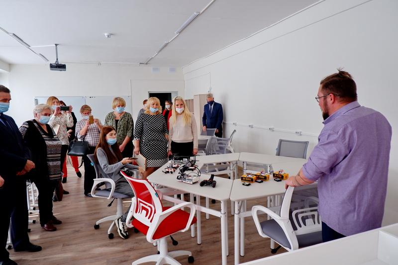 В поселке Новогорный начал работу образовательный центр «Точка роста»