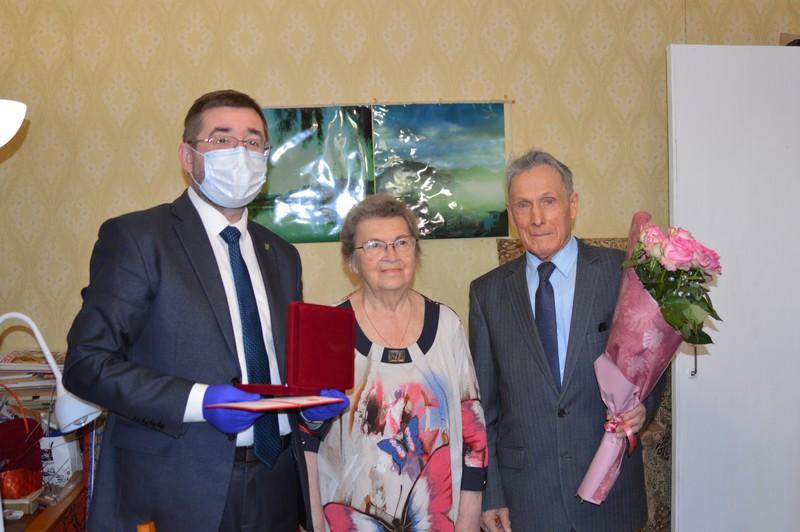Областной парламент наградил озерских общественников