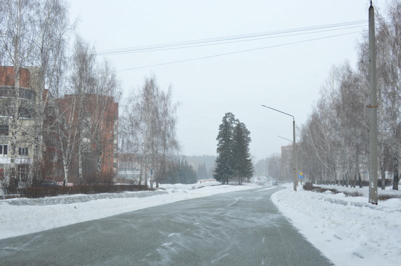 На дорогах Озерска устраняют последствия непогоды