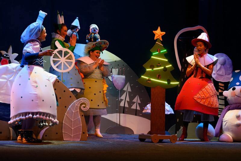 «Золотой петушок» подарил маленьким зрителям новогоднюю премьеру
