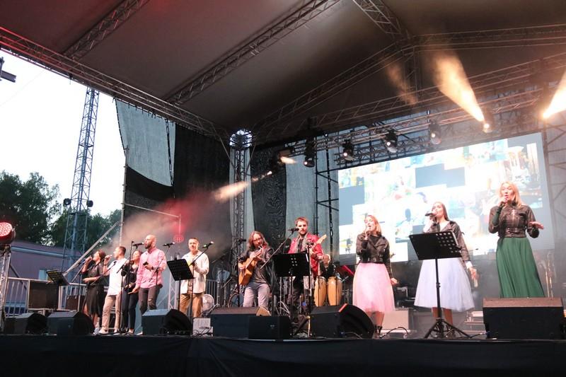 В Озерске выступила команда проекта «10 песен атомных городов»