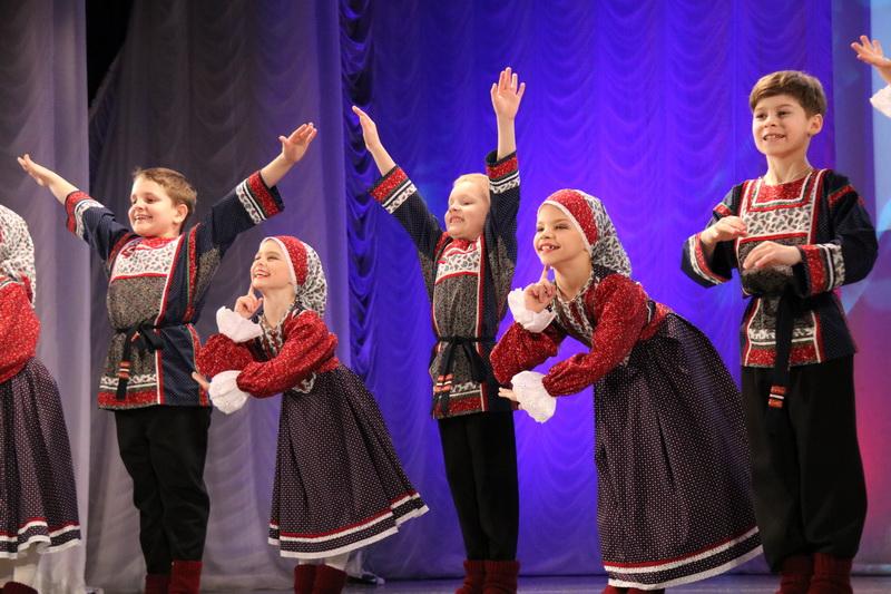 В Озерске ко Дню защитника Отечества прошел праздничный концерт