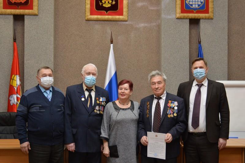 Работа ветеранов градообразующего предприятия была отмечена губернатором области