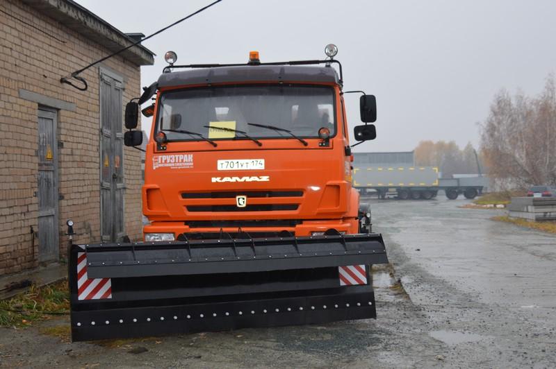 Подрядчики доложили о готовности к зимней уборке дорог и тротуаров